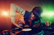 Wall Mural - trendy dj