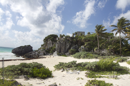 Wall Mural - mayan ruins at tulum, mexico